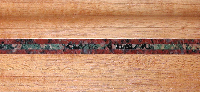 molding-baseboard--Ruby-Red--Verde-Fuoco