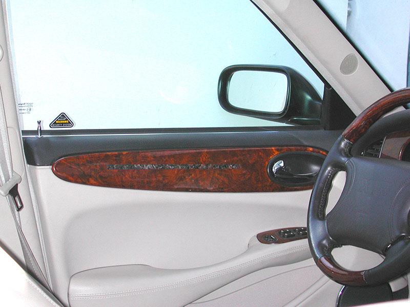 Jaguar-XJR-door-panel
