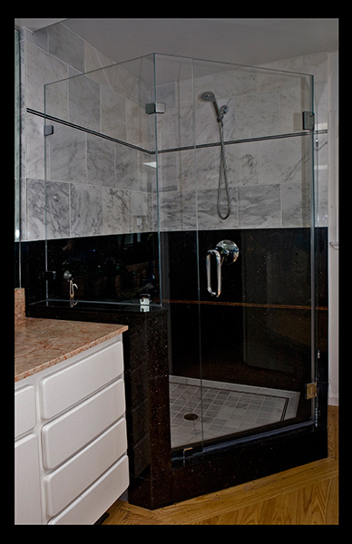 marble-inlays-in-shower-wall